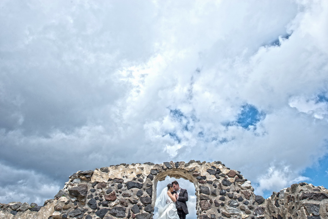 destination-wedding-photographer-santorini-14