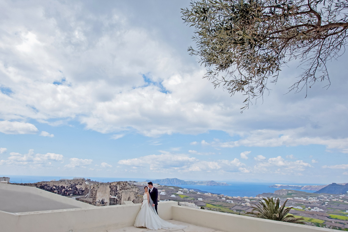 destination-wedding-photographer-santorini-21