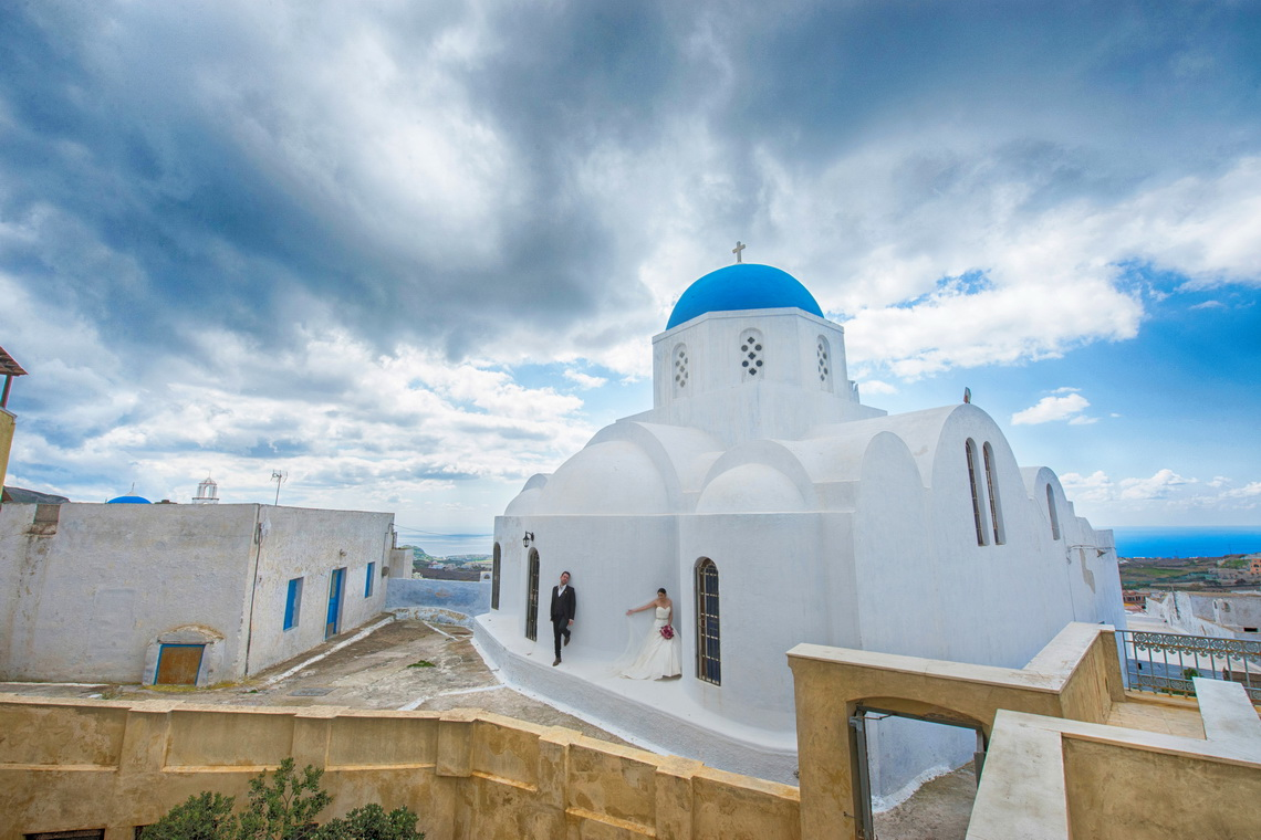 destination-wedding-photographer-santorini-23